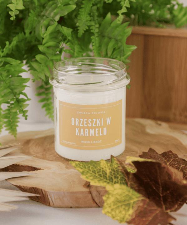 świeca zapachowa sojowa o zapachu orzechów
